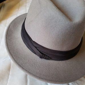 Other - Men's felt hat - vintage